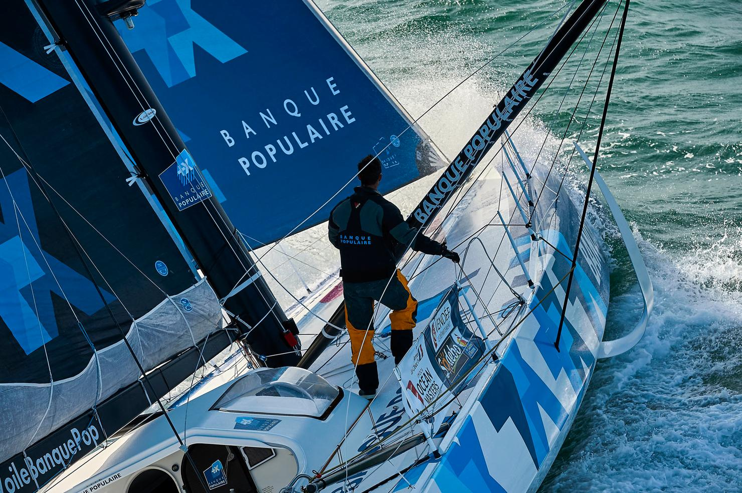 https://media02.adonnante.com/media/2016/04/course-au-large-imoca-banque-populaire-armel-le-cleach-yvan-zedda-723.jpg